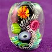 Quark bead by Corina Tettinger