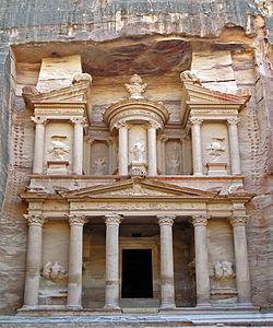 Facade de El Kazneh, Petra - by Bernard Gagnon